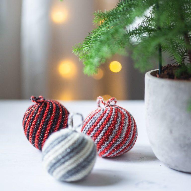 Kimaltavat joulukoristeet