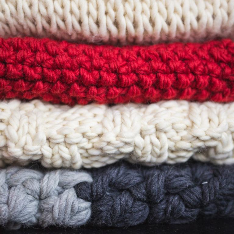 Villasukkien ja villavaatteiden pesu ja huolto – näin saat villavaatteet kestämään pidempään
